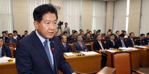 """국방부 """"GP 내 병력·장비 시범 철수…JSA도 비무장화 추진"""""""